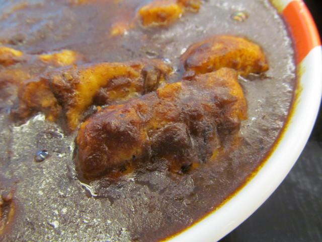 松屋ごろごろ煮込みチキンカレー2017の鶏もも肉