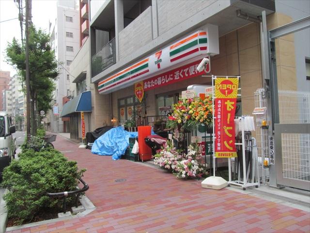 seven_eleven_sangenjaya_setagaya_street_open_20170629_001