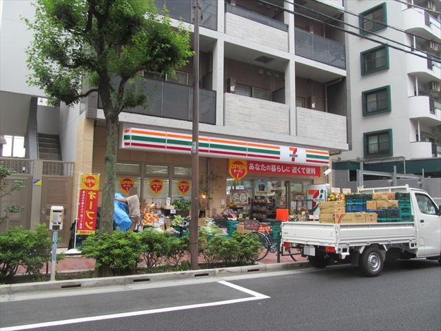 seven_eleven_sangenjaya_setagaya_street_open_20170629_011