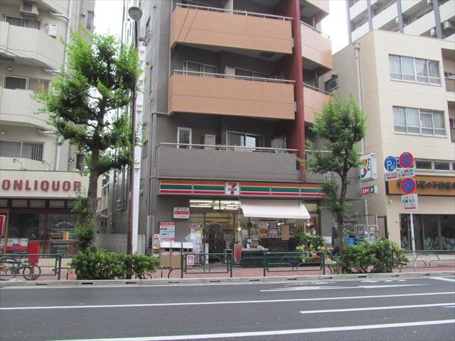 seven_eleven_sangenjaya_setagaya_street_open_20170629_019