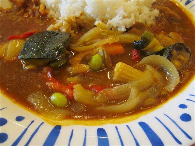 sukiya_spicy_chicken_curry_with_colored_vegetables_20170705_013