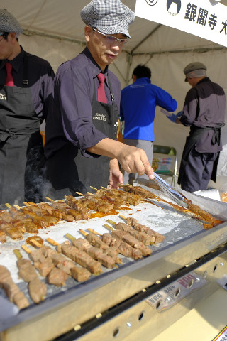京都肉祭2017肉を焼く人20171014