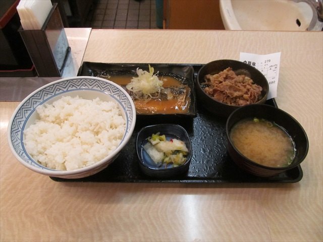 yoshinoya_gyu_sabamiso_set_meal_20171116_016