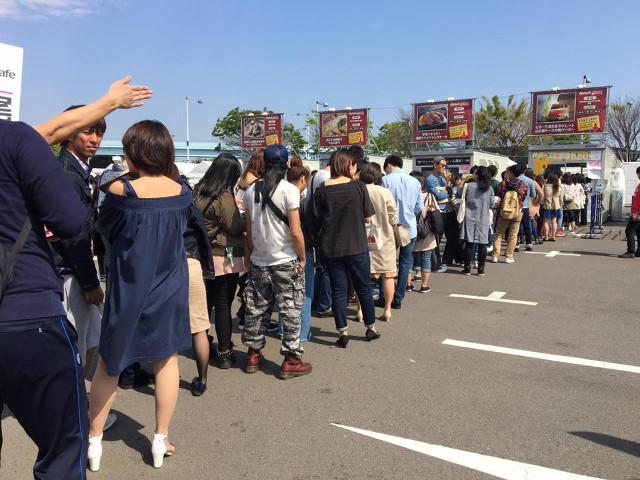 肉フェスTOKYO2017GWのCCCSHIBUYAの行列写真_大阪用20180209