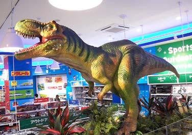 トイザらス名古屋みなとアクルス_動くティラノサウルス模型20180825