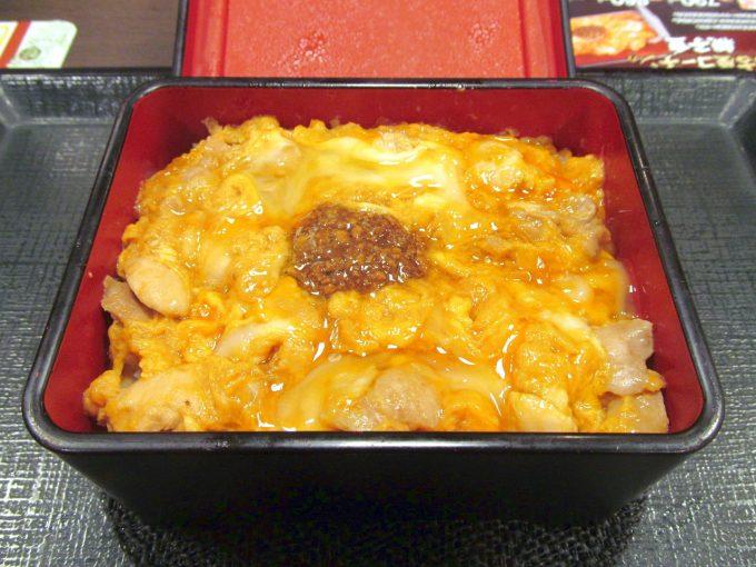 なか卯純鶏名古屋コーチンの親子重2019大盛賞味アイキャッチ1280調整後