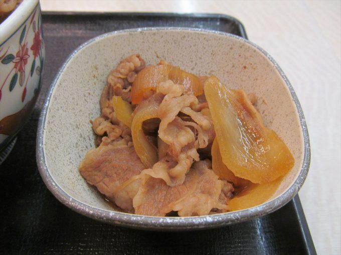 yoshinoya-nikudakugyudon-20200402-046