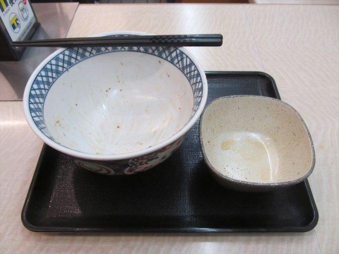 yoshinoya-nikudakugyudon-20200402-122