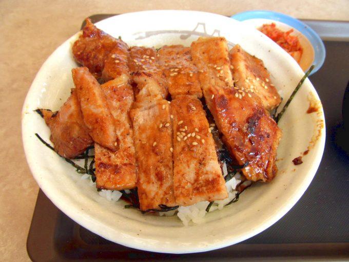 松屋味噌漬けトンテキ丼キムチ2020大盛賞味アイキャッチ1280調整後