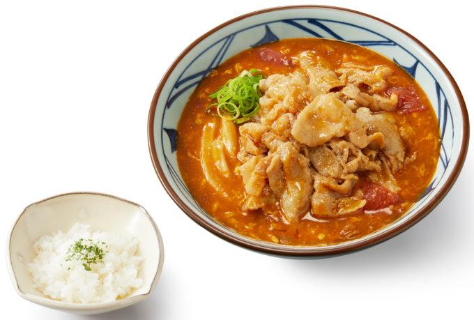 丸亀製麺_豚肉のせトマたまカレーうどん_商品画像_1205_20210830